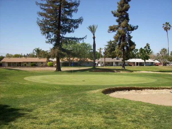 the sundale clubs Sundale country club is an 18-hole private golf course located in southwest  bakersfield, california the course is 6,801 yards on flat terrain it was opened in .